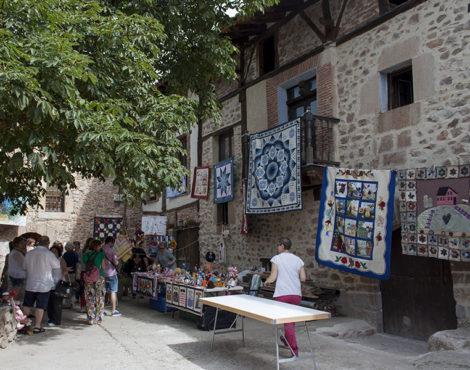 El universo de las manualidades se da cita en Zaragoza