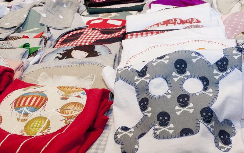 Articulos de Punto y Punto, marca textil artesana aragonesa fundada por Arancha Sanz