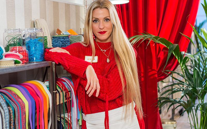 Anna, la aprendiz más joven y emotiva de Maestros de la Costura