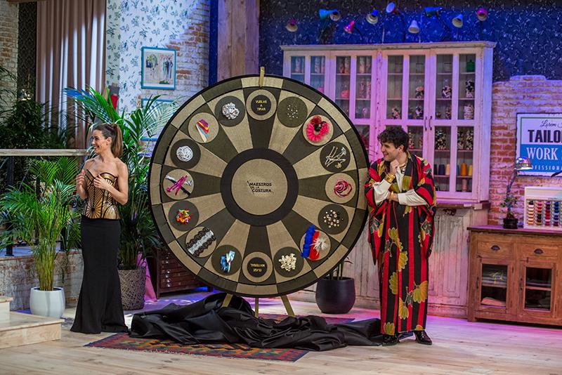 Raquel Sánchez Silva y Alejandro Palomo en un momento del programa. Foto, Shine Iberia.