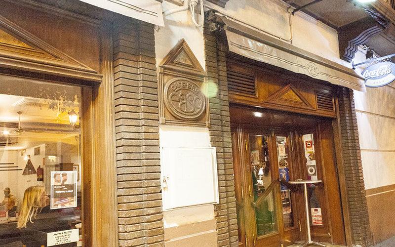 Exposición de ZGZ y Punto en el bar Easo de Zaragoza