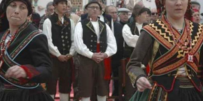 La indumentaria tradicional viste el día de la comarca zamorana de Aliste