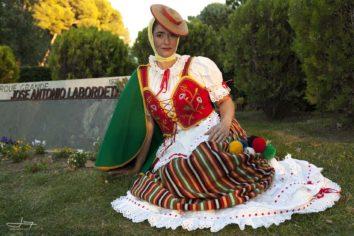 Dina Rodh acerca la belleza de La Orotava a las fiestas del Pilar de Zaragoza