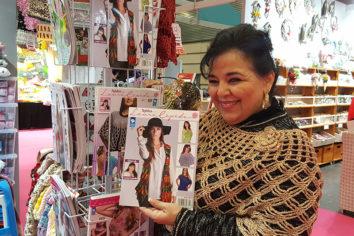 Laura Cepeda, youtuber del tejido y líder de una empresa familiar