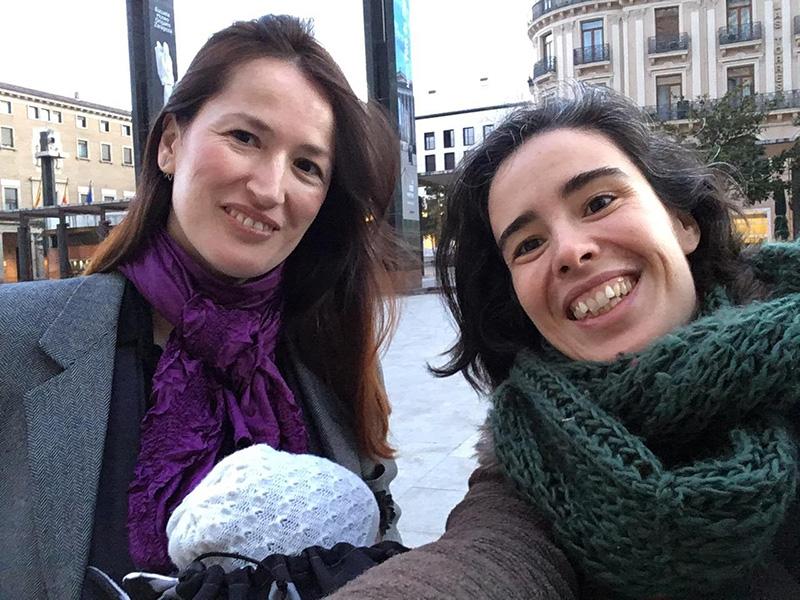 Quedada Costuril en Starbucks Coso Zaragoza impulsada por las bloggers zaragozanas Pilar Barceló y Sol Lasierra