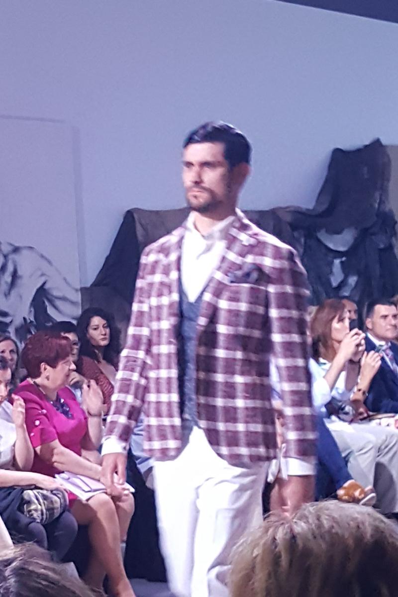 César by Antonio Vidal. Desfile de Comercios Aragoneses en la I Aragón Fashion Week 2018