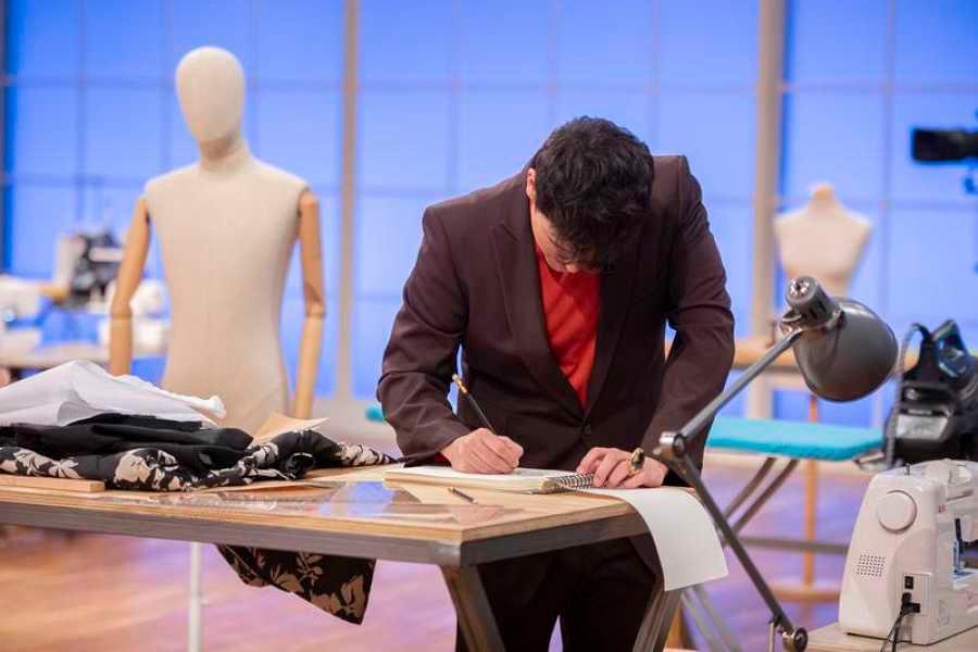 Alejandro Palomo en la prueba de expulsión en Maestros de la Costura 2 (programa 7). Foto: RTVE