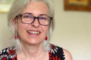 Antje González, directora de la revista de encaje de bolillos `Vuelta y Cruz_Twist and Cross´