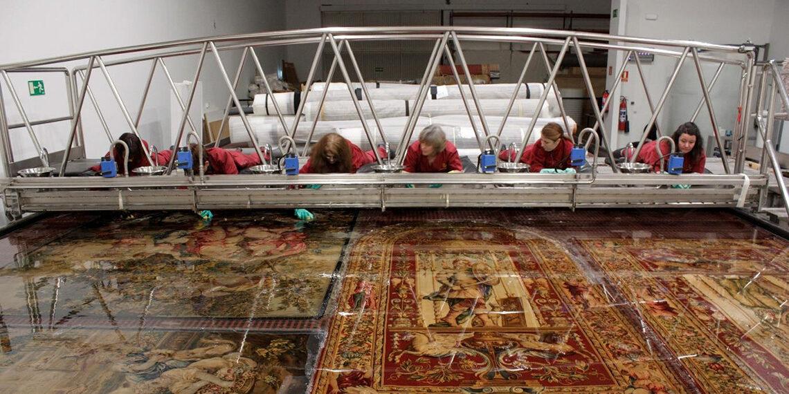 Cuatro tapices de la embajada de Brasil, restaurados por la Real Fábrica de Tapices