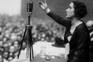 Clara Campoamor, del taller de costura a la consecución del sufragio femenino